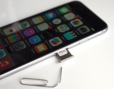 iphone-sim-card slot