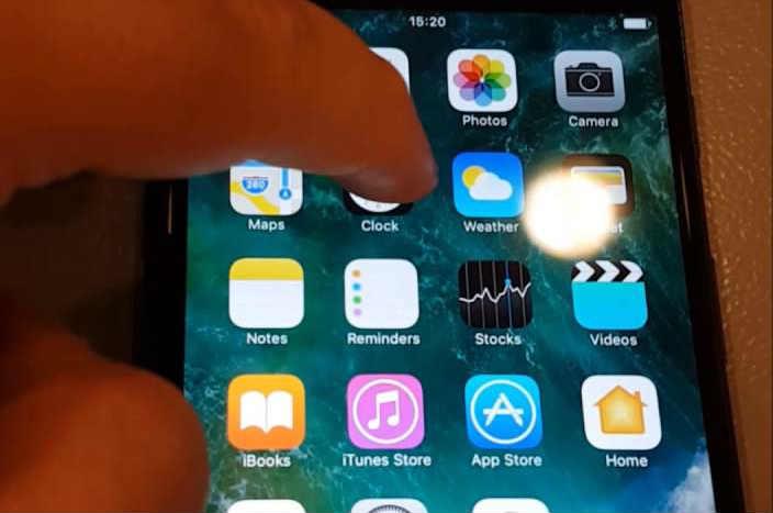 iPhone을 다시 시작하여 iPhone 화면 깜박임 해결